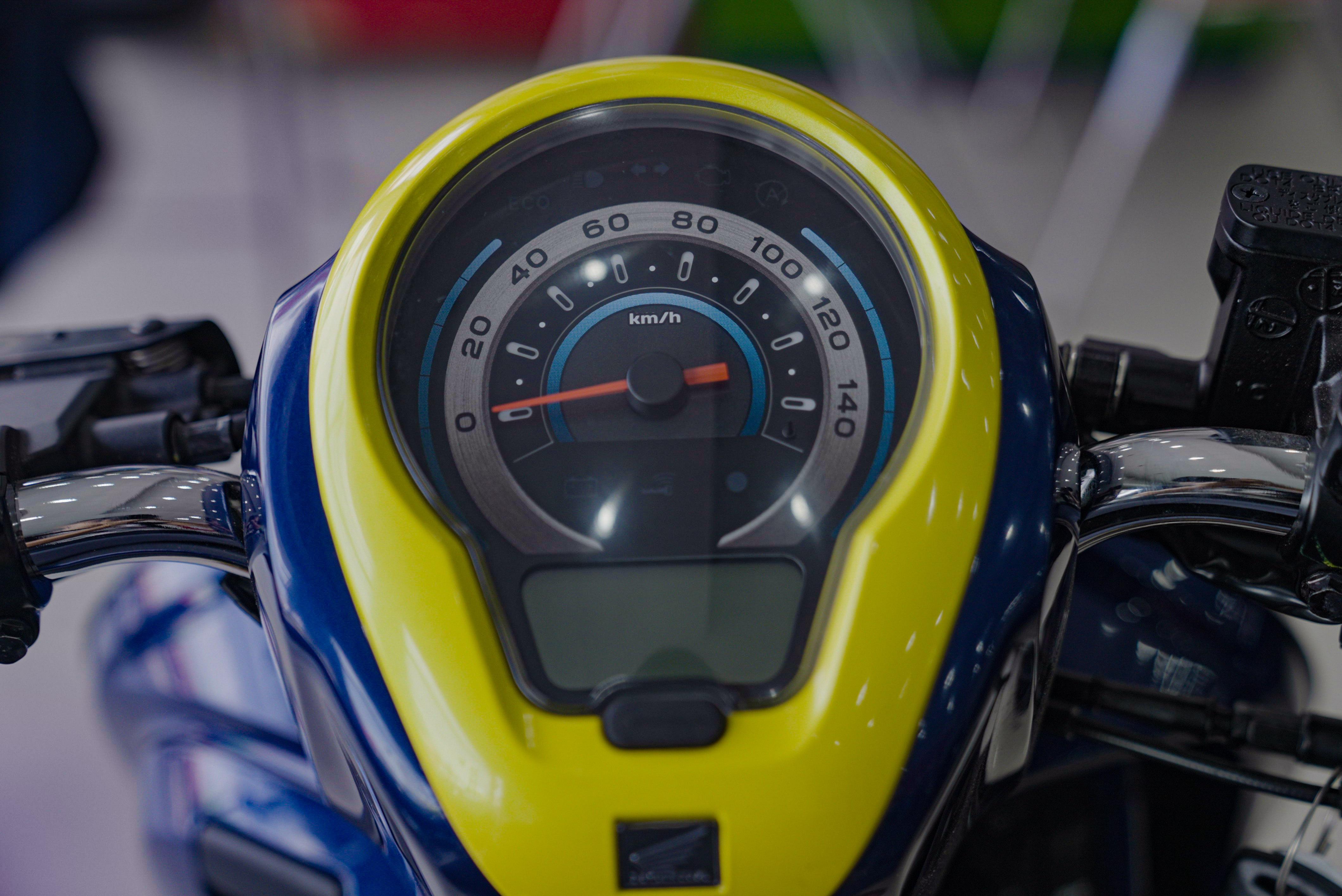 So sanh Honda Scoopy 2021 va Yamaha Janus anh 7