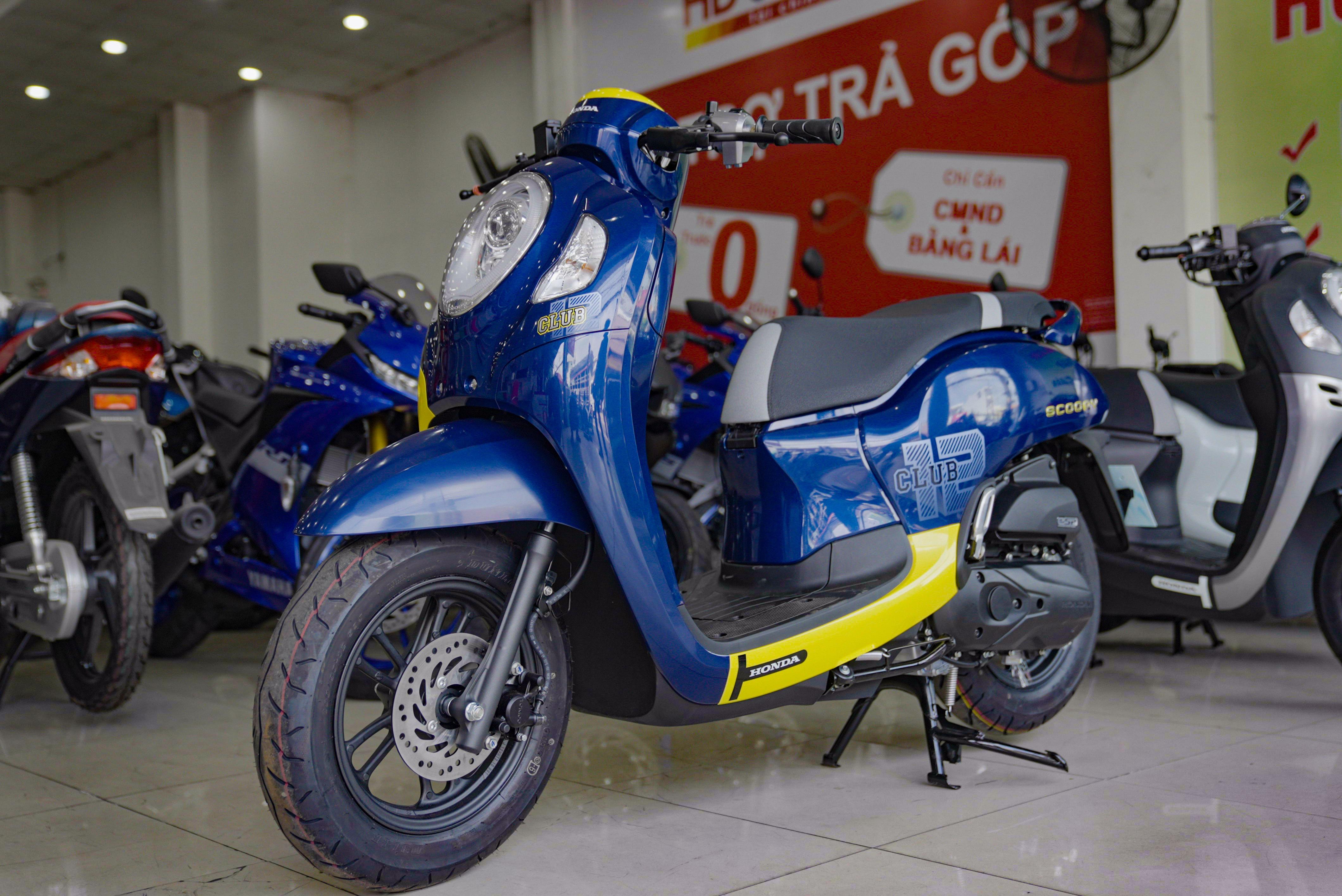 So sanh Honda Scoopy 2021 va Yamaha Janus anh 1