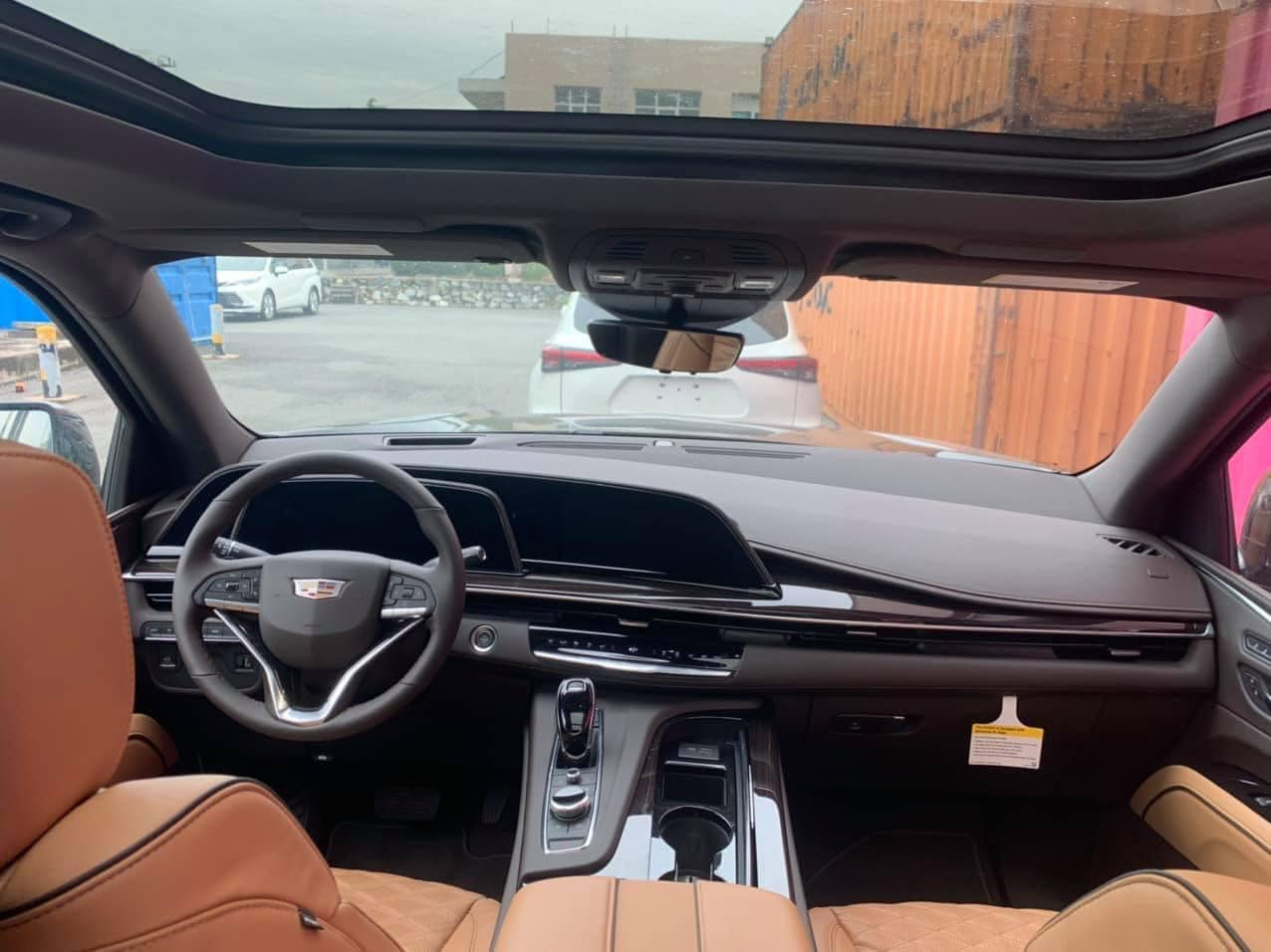Cadillac Escalade 2021 dau tien ve Viet Nam anh 4