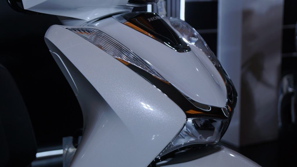xe-tay-ga-Honda-SH-125-CBS/ABS-gia-71-79-trieu-dong-02