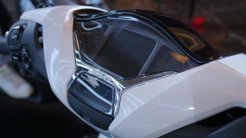 xe-tay-ga-Honda-SH-125-CBS/ABS-gia-71-79-trieu-dong-03