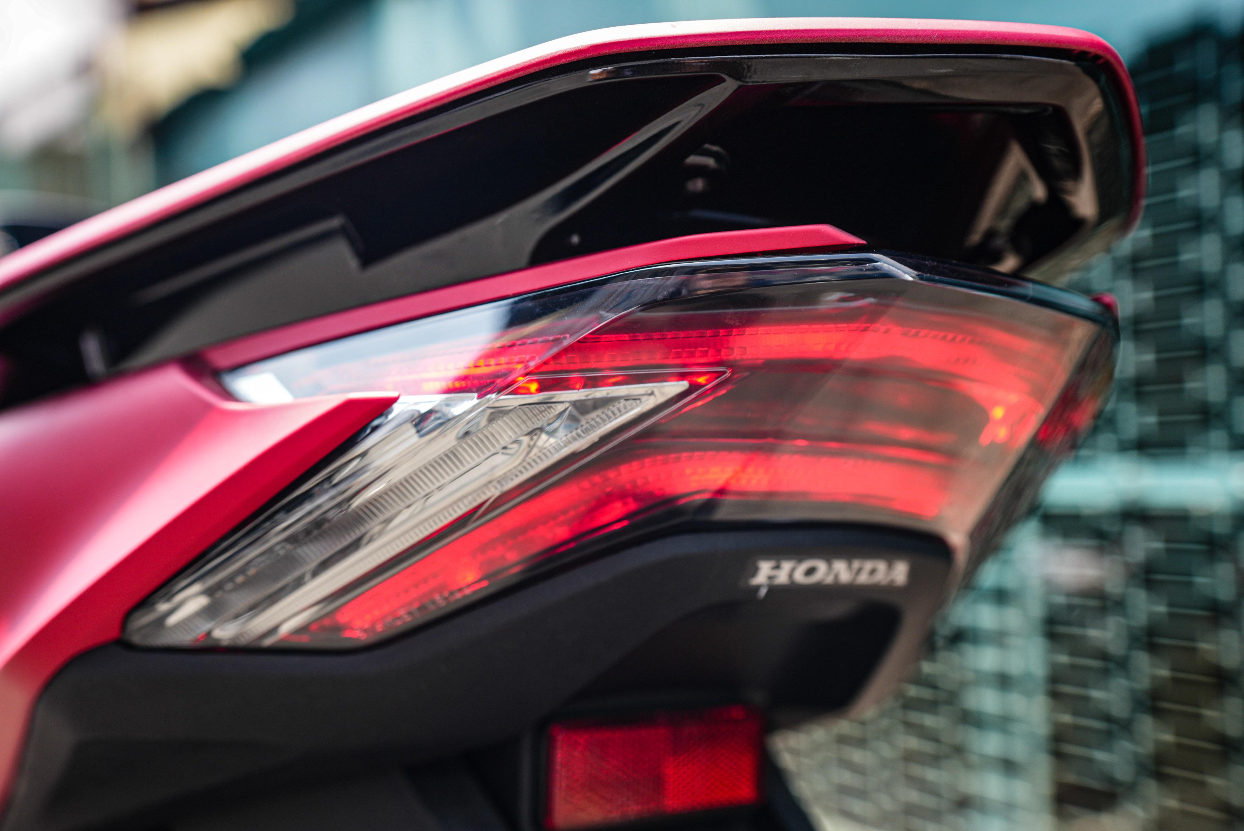 xe-Honda PCX-160-gia-88-trieu-dong-02