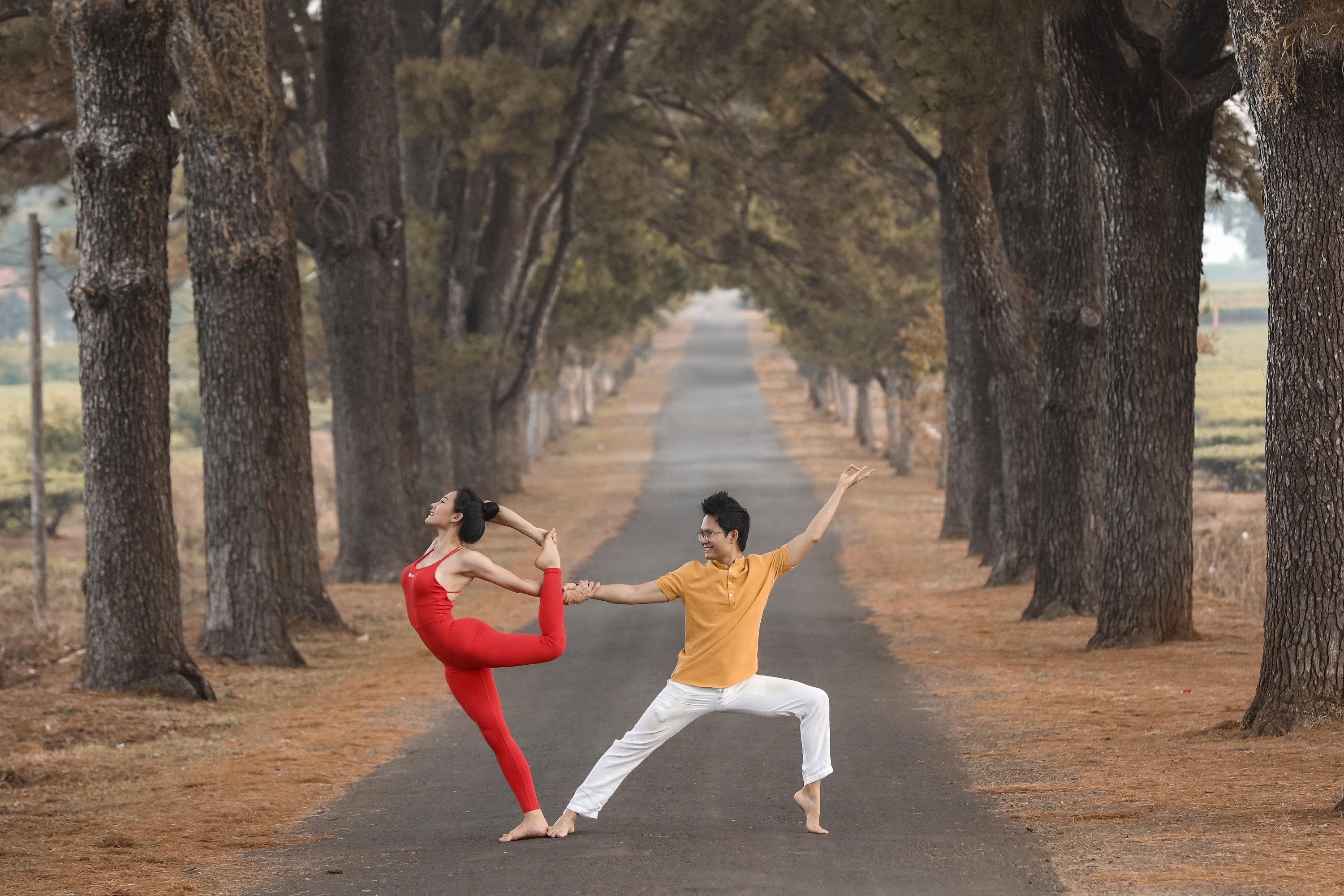 co gai tap yoga anh 2