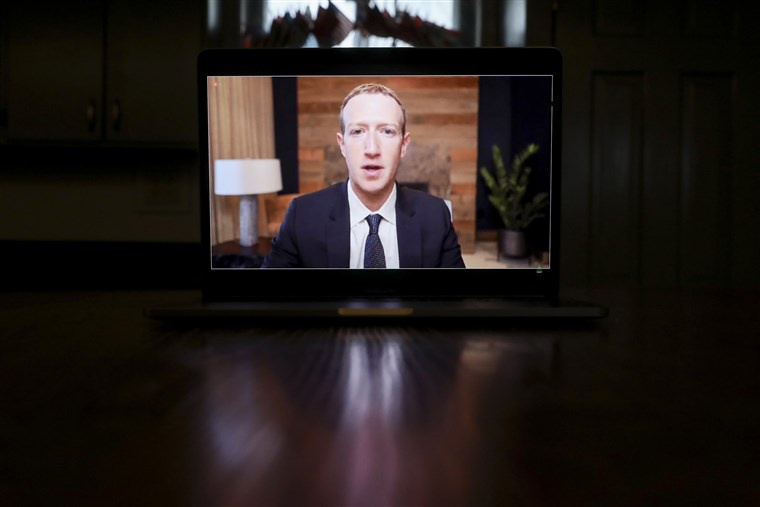 Mark Zuckerberg tra loi chat van anh 1