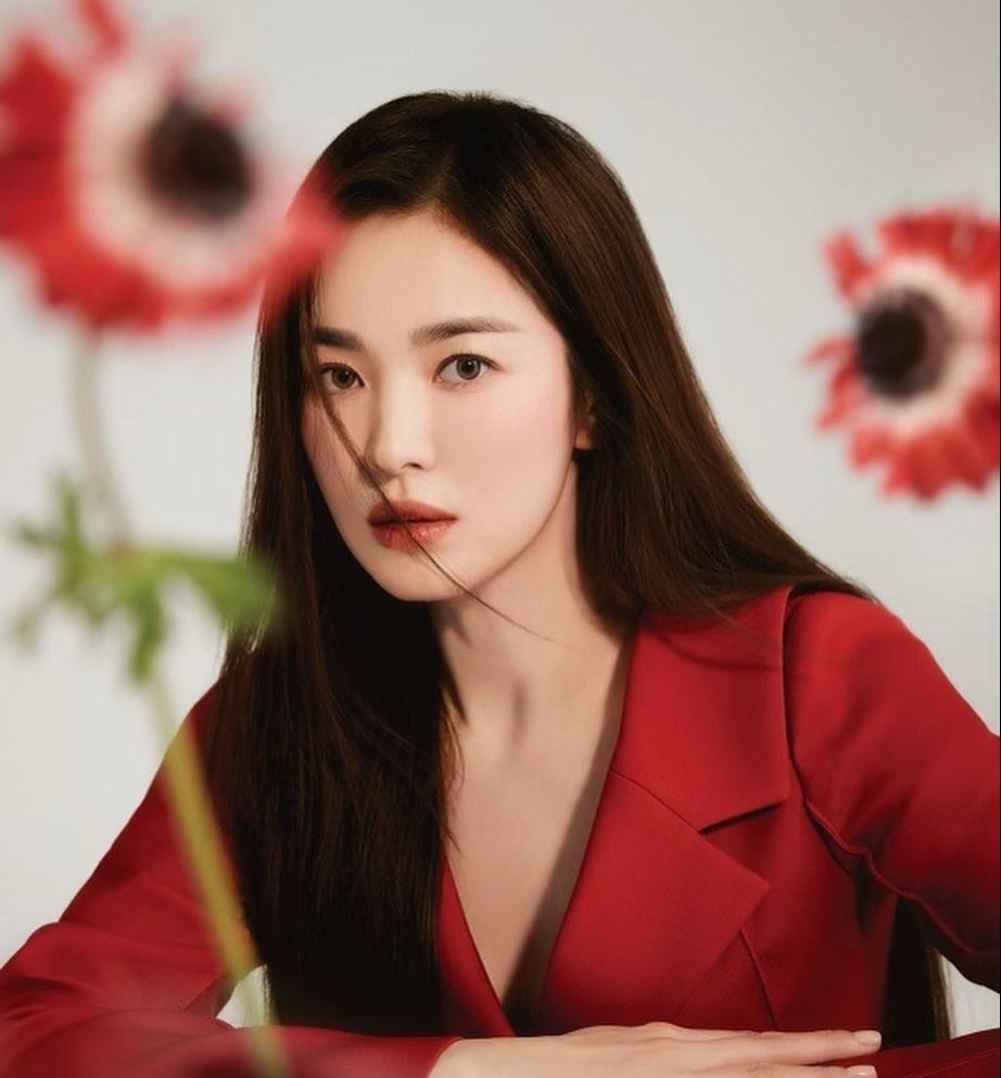 Song Hye Kyo sau ly hon anh 1