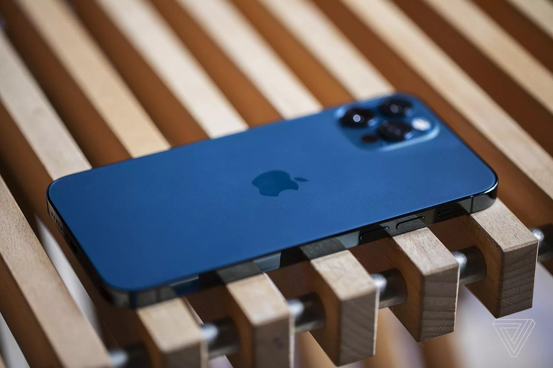 Apple se da Qualcomm va Intel khoi cuoc choi san xuat phan cung anh 1