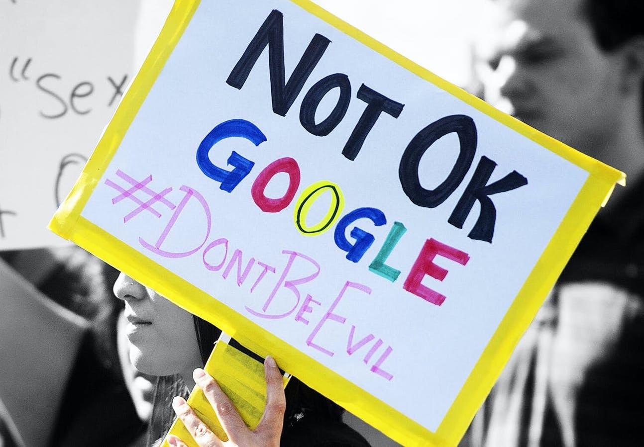 Nhan vien Google bi quay roi tinh duc anh 1