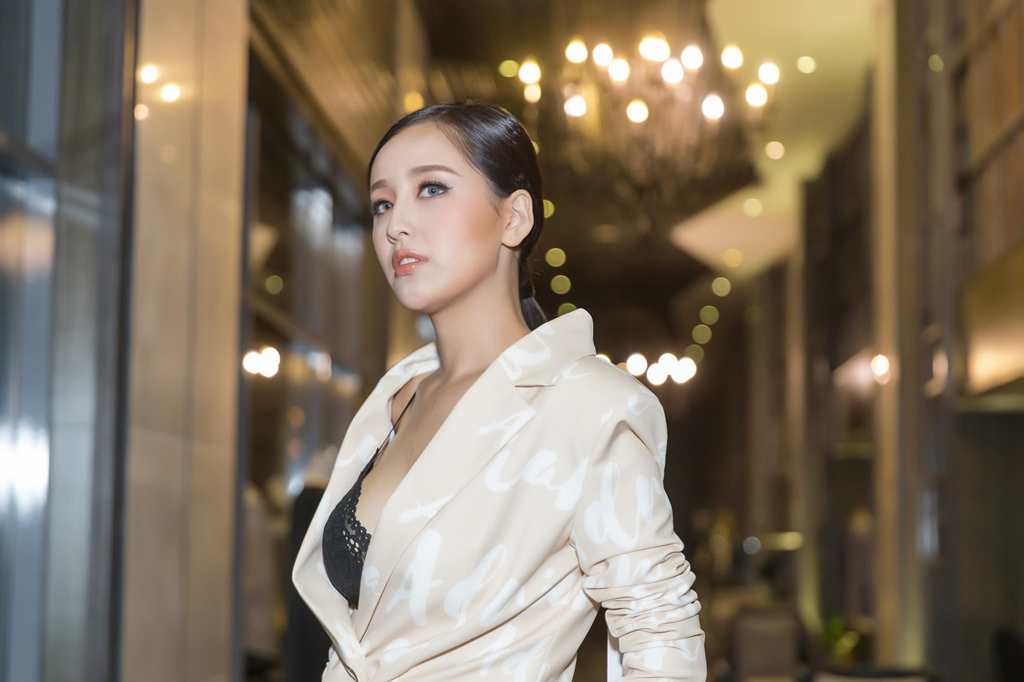 Mai Phuong Thuy: 'Neu toi vo no, nguoi yeu se tra giup' hinh anh 1