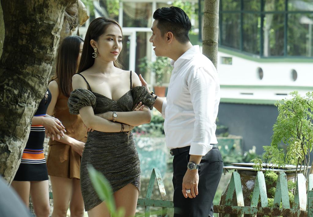 Dao dien Khai Hung: 'Viet Anh sua mat khi quay la khong chuyen nghiep' hinh anh 3