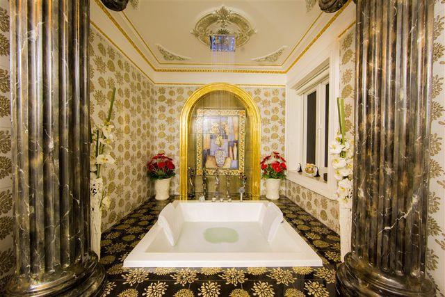 Không gian phòng tắm trong biệt thự của Lý Nhã Kỳ