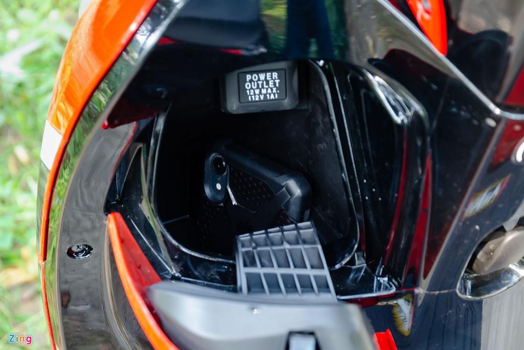 Mua xe tay ga nu voi 40 trieu - chon Yamaha Latte hay Honda Scoopy? hinh anh 13 Honda_Scoopy_Zing_27_.jpg