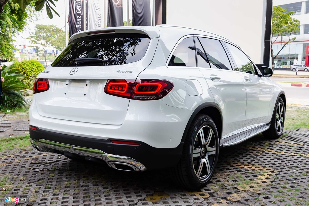 Nhung mau SUV tam gia 2 ty dang can nhac cho gia dinh hinh anh 9 Mercedes_GLC_2020_Zing_17_.jpg