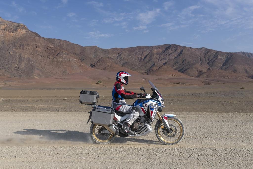 5 mau moto so tu dong dang chu y nhat 2020 hinh anh 2 2020_Honda_Africa_Twin_1_.jpg