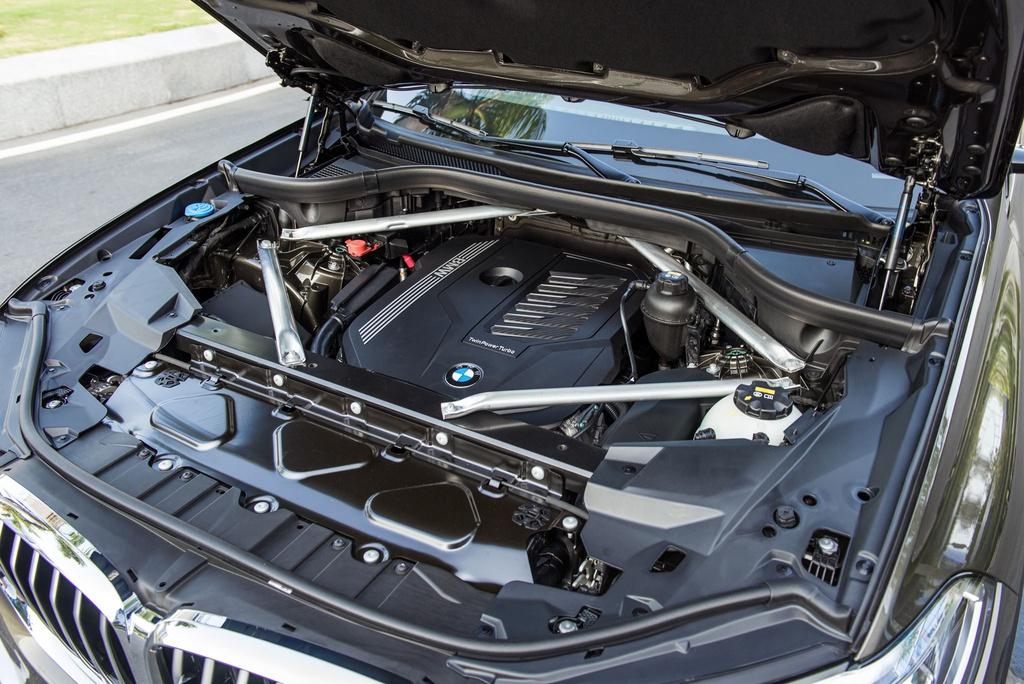 Chon Mercedes-Benz GLE hay BMW X5 khi mua SUV 7 cho hang sang? hinh anh 15 B58_Engine_2_.jpg