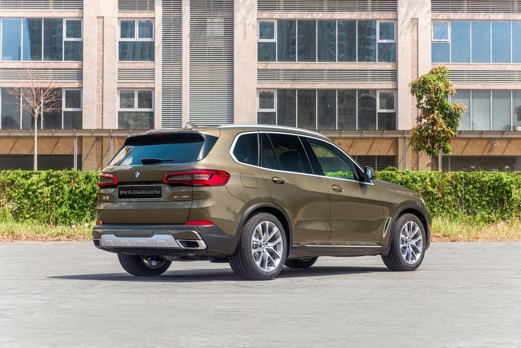 Chon Mercedes-Benz GLE hay BMW X5 khi mua SUV 7 cho hang sang? hinh anh 6 BMW_X5_2020_15_.jpg