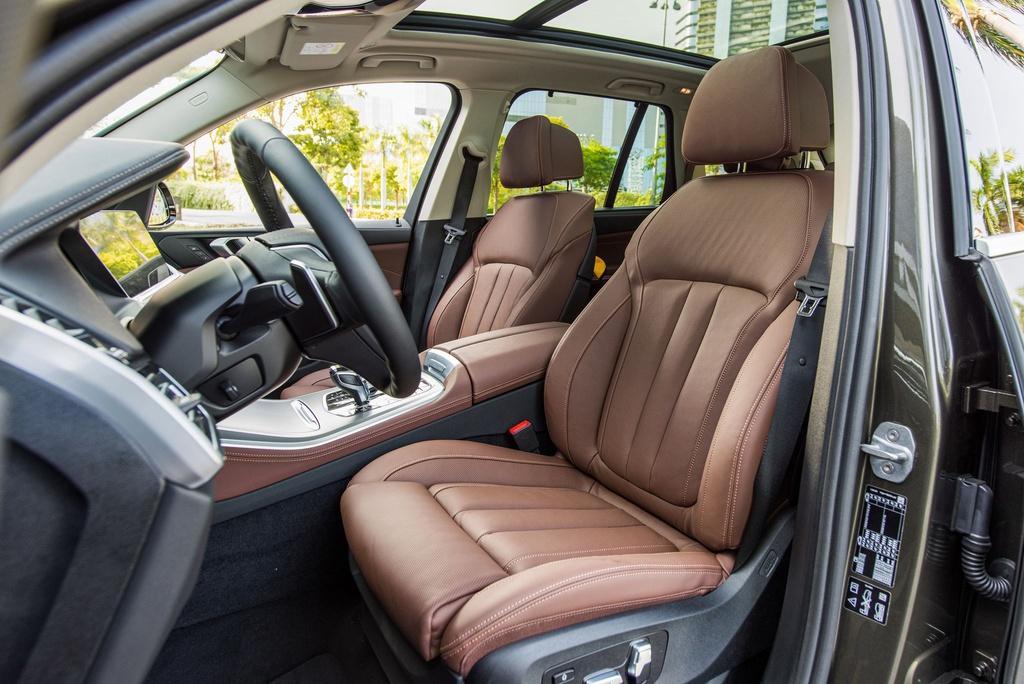 Chon Mercedes-Benz GLE hay BMW X5 khi mua SUV 7 cho hang sang? hinh anh 10 BMW_X5_2020_41_.jpg