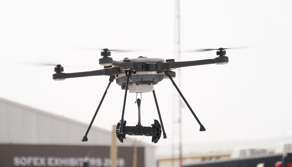 Đua xe trên đường phố sẽ bị drone quân sự truy đuổi từ trên không - ảnh 5