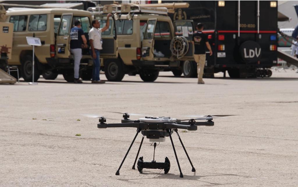 Đua xe trên đường phố sẽ bị drone quân sự truy đuổi từ trên không - ảnh 6