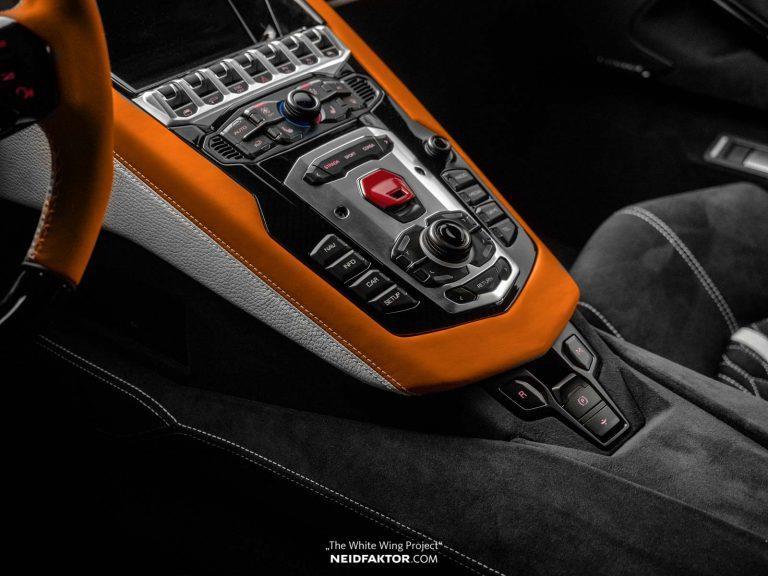 Tan trang Lamborghini Aventador Roadster, ton ngang 1 chiec oto moi hinh anh 5
