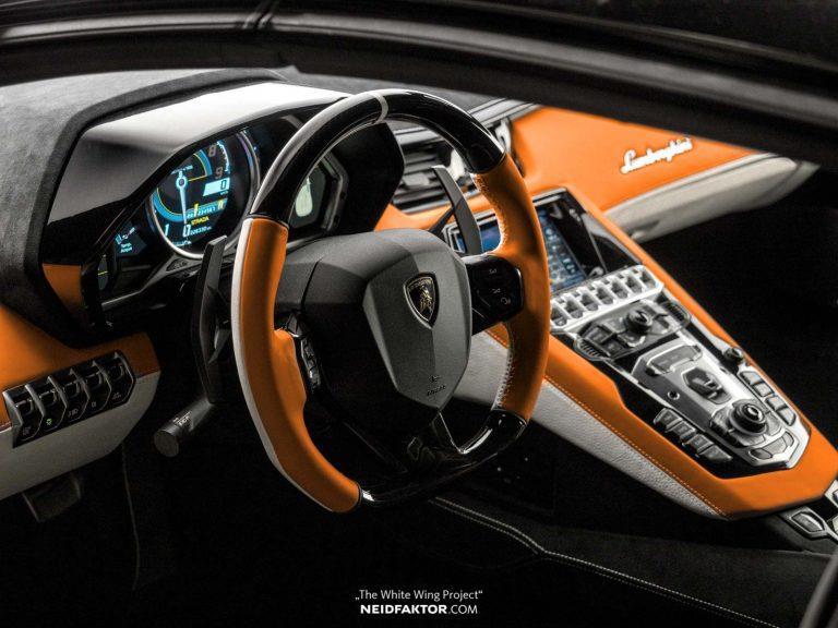 Tan trang Lamborghini Aventador Roadster, ton ngang 1 chiec oto moi hinh anh 1