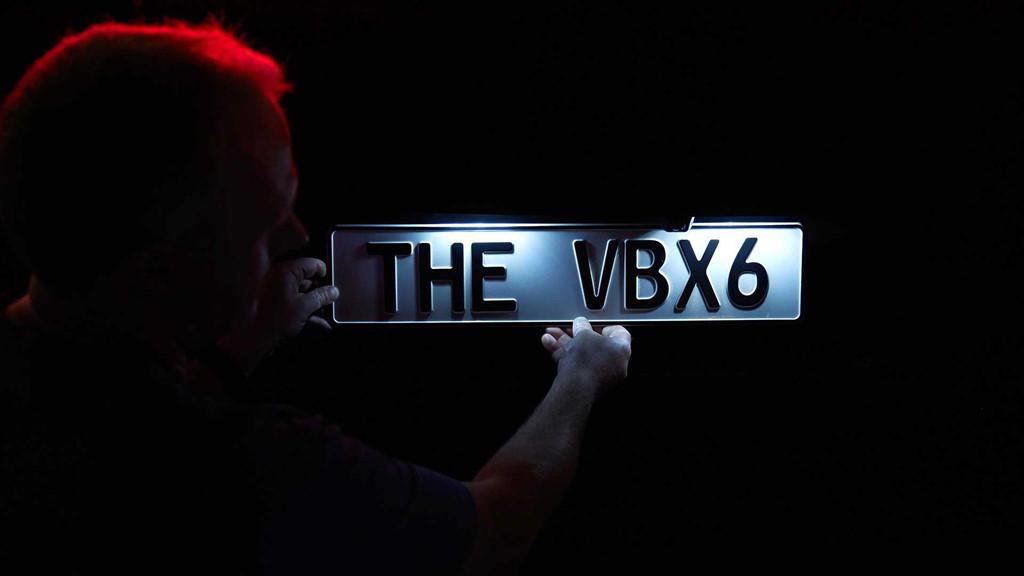 BMW X6 ban dac biet so huu mau son toi nhat the gioi hinh anh 7
