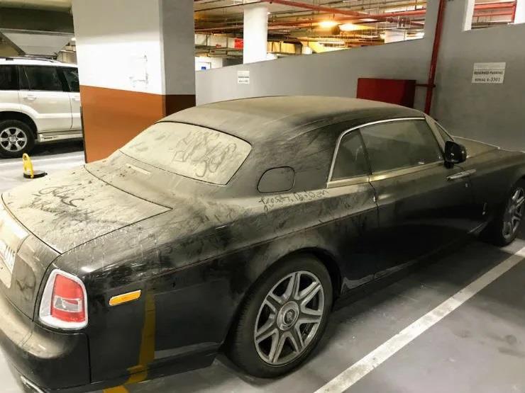 Nhieu xe sang Rolls-Royce bi bo hoang tai Dubai giau co hinh anh 4