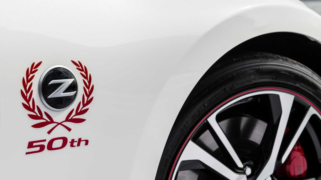 Loat xe gay that vong nhat 2019 hinh anh 35 2020_nissan_370z_50th_anniversary_8.jpg