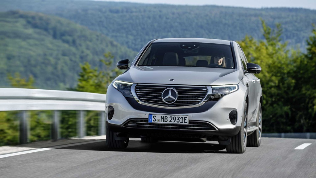 Loat xe gay that vong nhat 2019 hinh anh 18 mercedes_benz_eqc_4matic_1.jpg