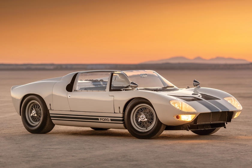Nhung mau xe phai chi hang trieu USD moi co the so huu hinh anh 5 1965_Ford_GT40_Roadster_Prototyp.jpg