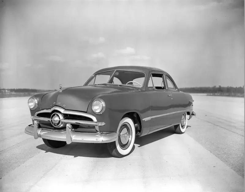 Nhung mau oto cuu nha san xuat thoat khoi canh pha san hinh anh 3 1949_Ford.jpg