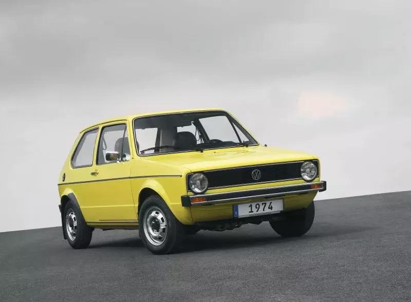 Nhung mau oto cuu nha san xuat thoat khoi canh pha san hinh anh 2 1974_Volkswagen_Golf.jpg