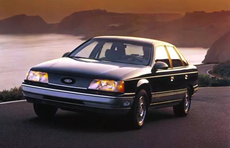 Nhung mau oto cuu nha san xuat thoat khoi canh pha san hinh anh 1 1986_Ford_Taurus.jpg