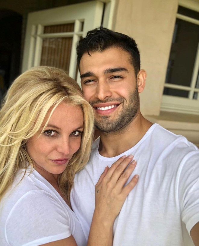Britney Spears - cong chua mai me yeu duong va ly hon sau 55 tieng hinh anh 12 samasghari_60344559_365760440709728_4477880480011458754_n.jpg