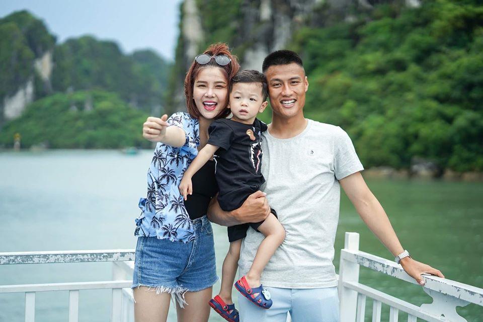 Ky Han: 'Mac Hong Quan lam gi sai toi ly hon luon, khong ghen cho met' hinh anh 1 64322196_668132993608081_5041359515996389376_o.jpg