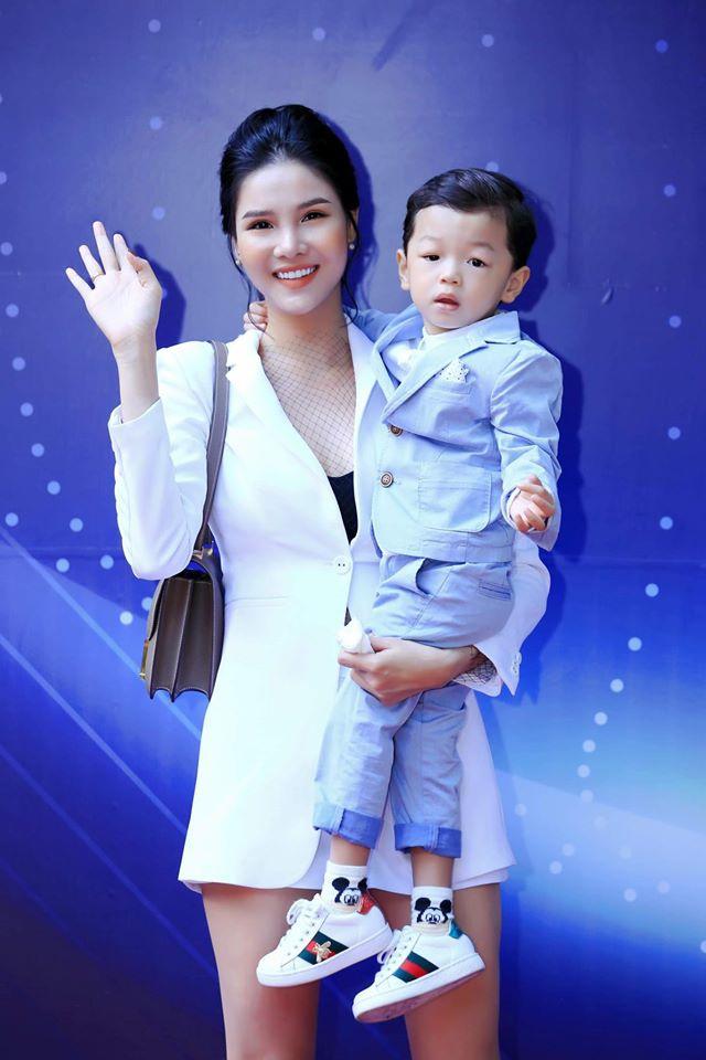 Ky Han: 'Mac Hong Quan lam gi sai toi ly hon luon, khong ghen cho met' hinh anh 7 69537271_721092668312113_4275959660533514240_o.jpg