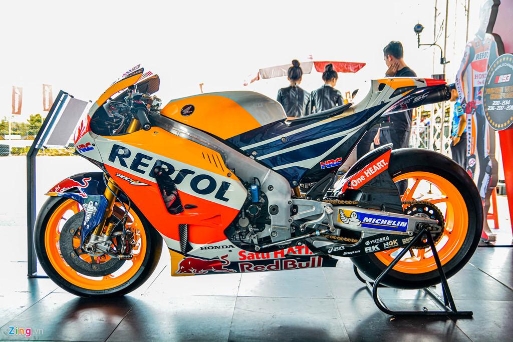 Chi tiet Honda RC213V tri gia 2 trieu USD ma Marc Marquez tung cam lai hinh anh 18