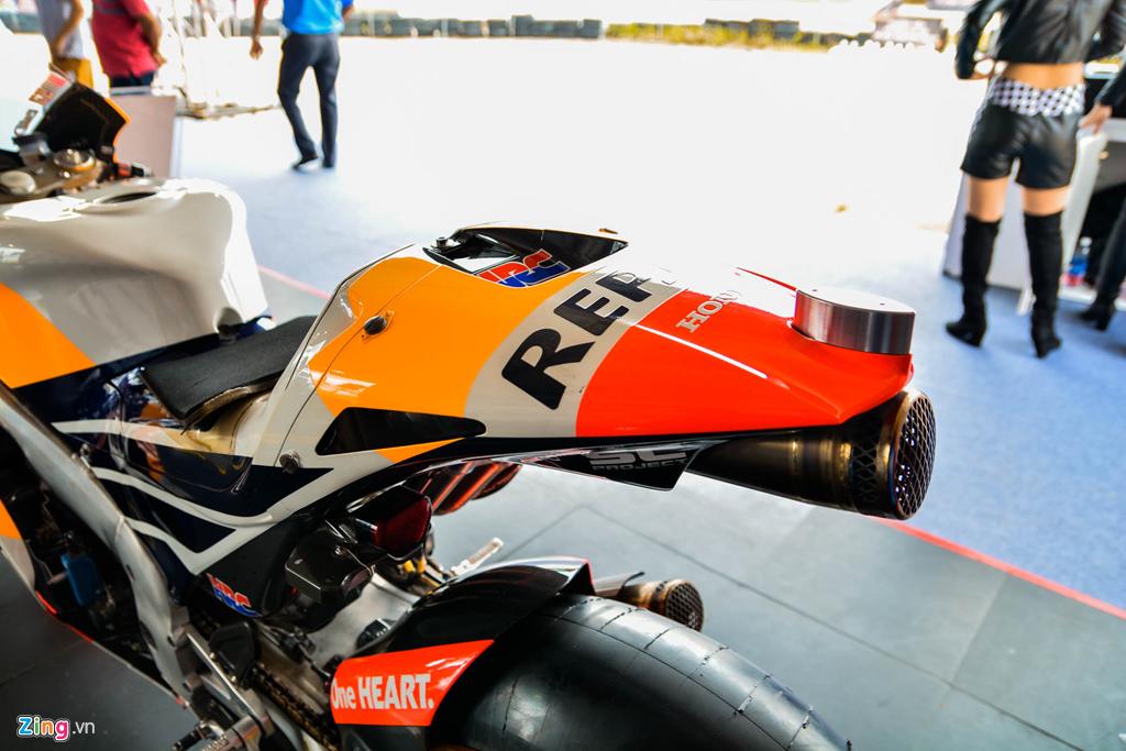 Chi tiet Honda RC213V tri gia 2 trieu USD ma Marc Marquez tung cam lai hinh anh 17