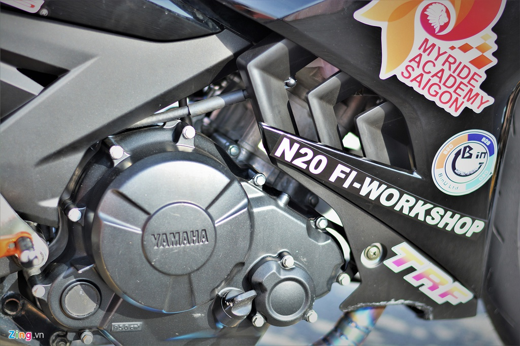 Yamaha Exciter 150 thay doi ra sao de bien thanh xe dua? hinh anh 10