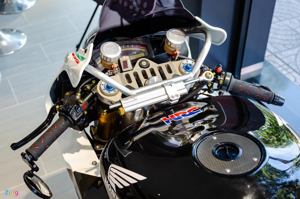 Chi tiet moto dua chay pho Honda VTR 1000 RC51 SP2 doc nhat VN hinh anh 4 Honda_VTR1000_SP2_Zing_17_.jpg