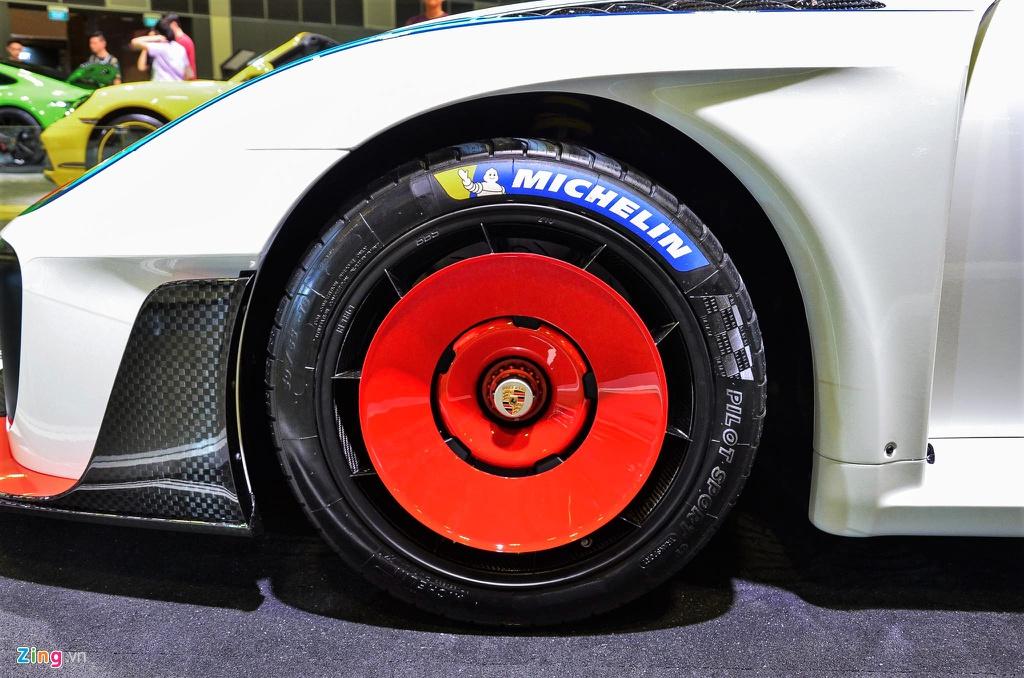 Can canh Porsche 935 phien ban ky niem - chi co 77 chiec tren toan cau hinh anh 3 3_Porsche935_zing.jpg