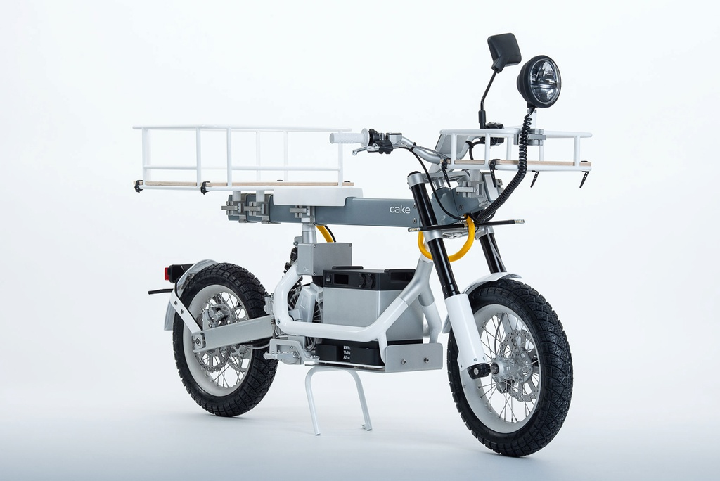 Kham pha xe may dien don gian va da nang nhat the gioi hinh anh 1 cake_osa_world_most_versatile_electric_bike_scooter_1.jpg