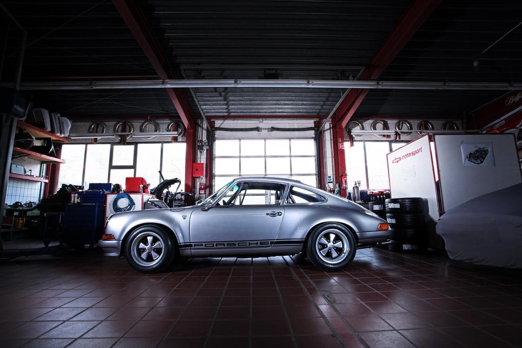 Porsche 911 doi 1985 do lai thanh xe co doi 1970 hinh anh 11 1985_porsche_911_tuning_dp_motorsports_3.jpg