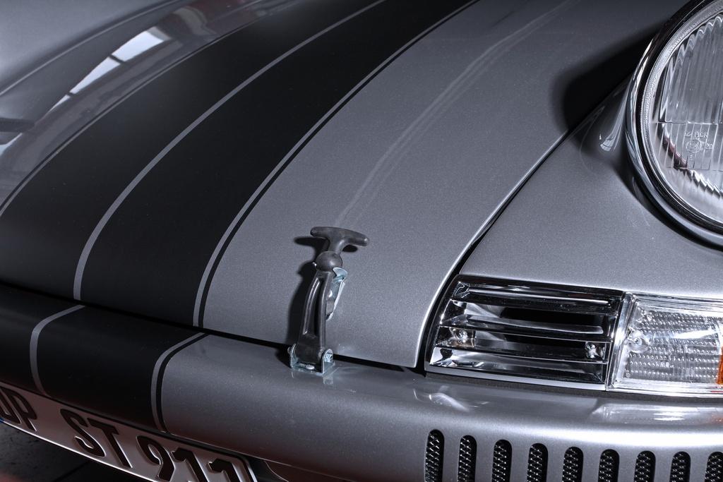 Porsche 911 doi 1985 do lai thanh xe co doi 1970 hinh anh 5 1985_porsche_911_tuning_dp_motorsports_4.jpg