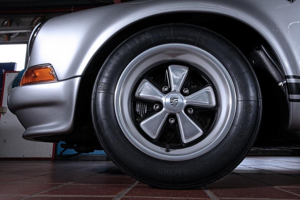 Porsche 911 doi 1985 do lai thanh xe co doi 1970 hinh anh 3 1985_porsche_911_tuning_dp_motorsports_5.jpg