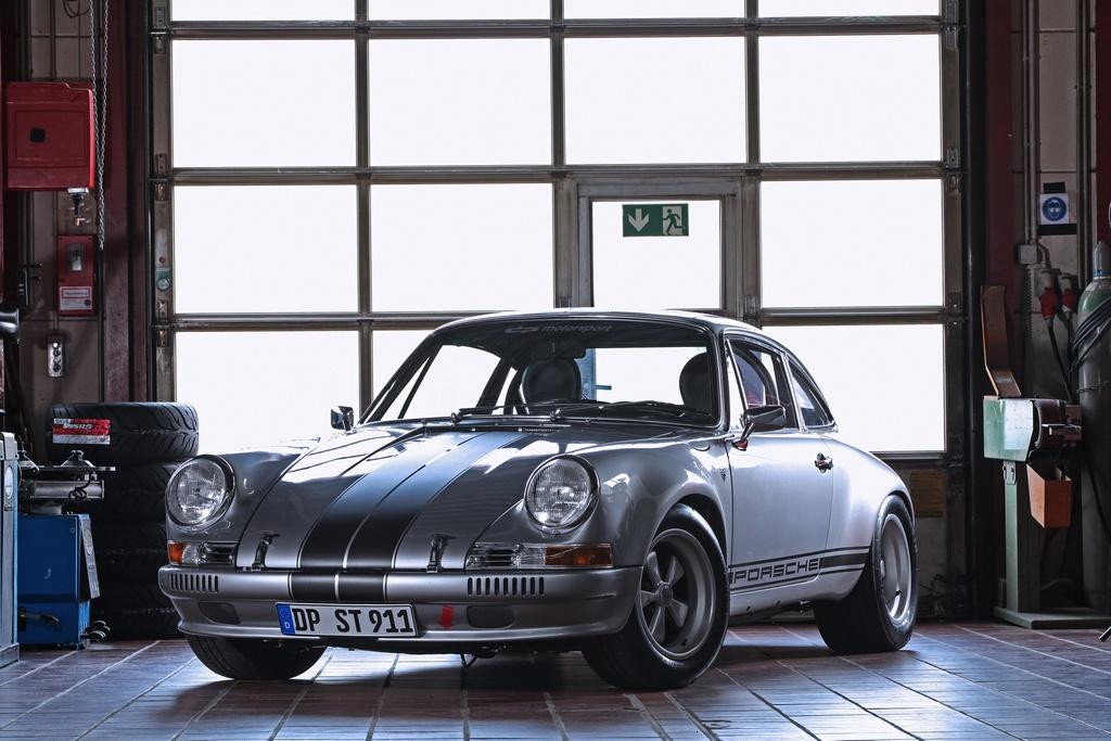 Porsche 911 doi 1985 do lai thanh xe co doi 1970 hinh anh 1 1_Porsche911.jpg