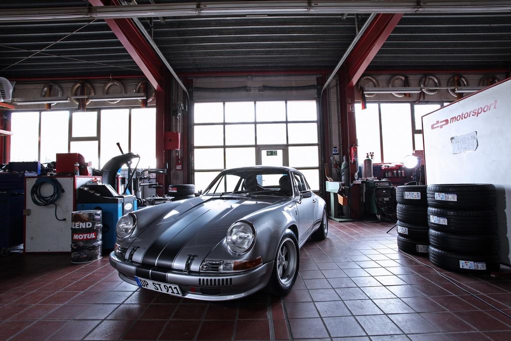Porsche 911 doi 1985 do lai thanh xe co doi 1970 hinh anh 2 2_Porsche911.jpg