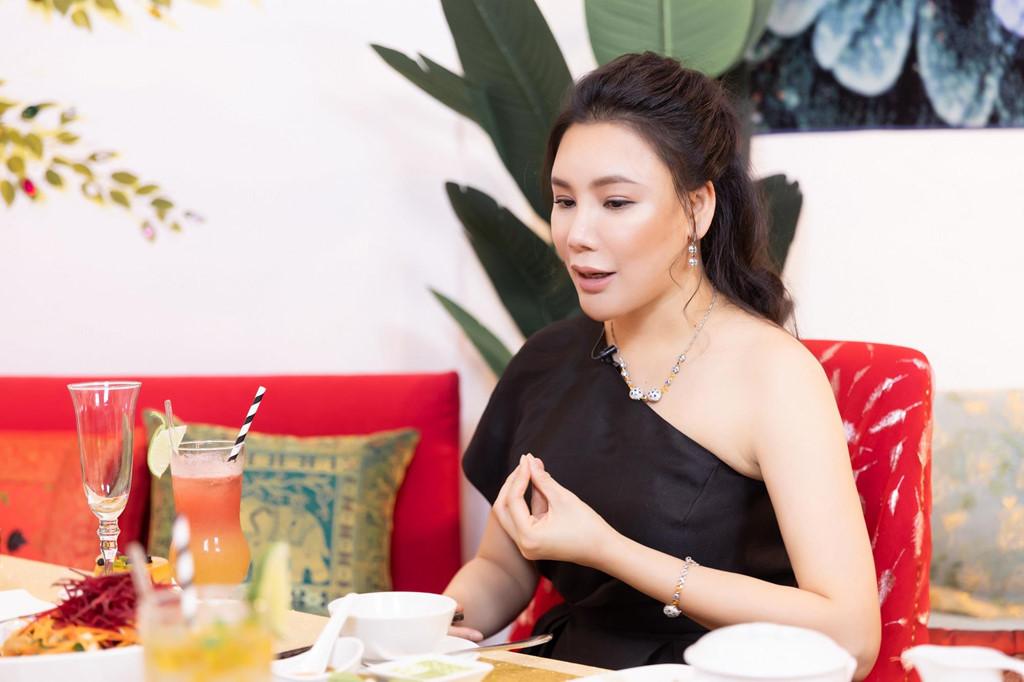 Ho Quynh Huong: 'Toi chanh, rat luy tinh va tieu tien khong can dem!' hinh anh 3