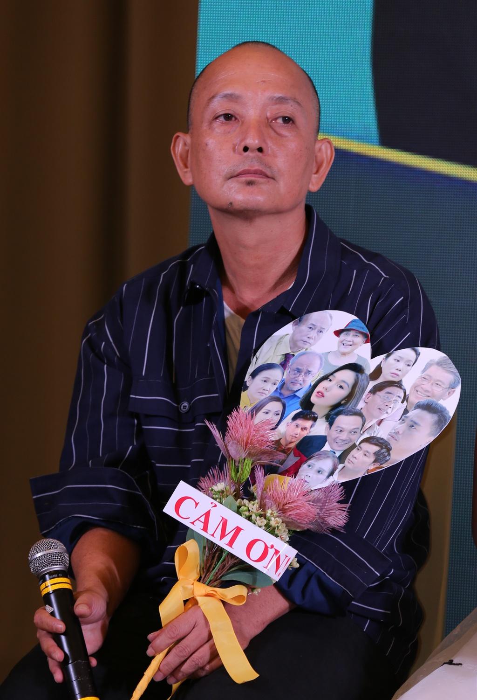 Hong Dao dau tu 20.000 USD cho vai dien anh 1