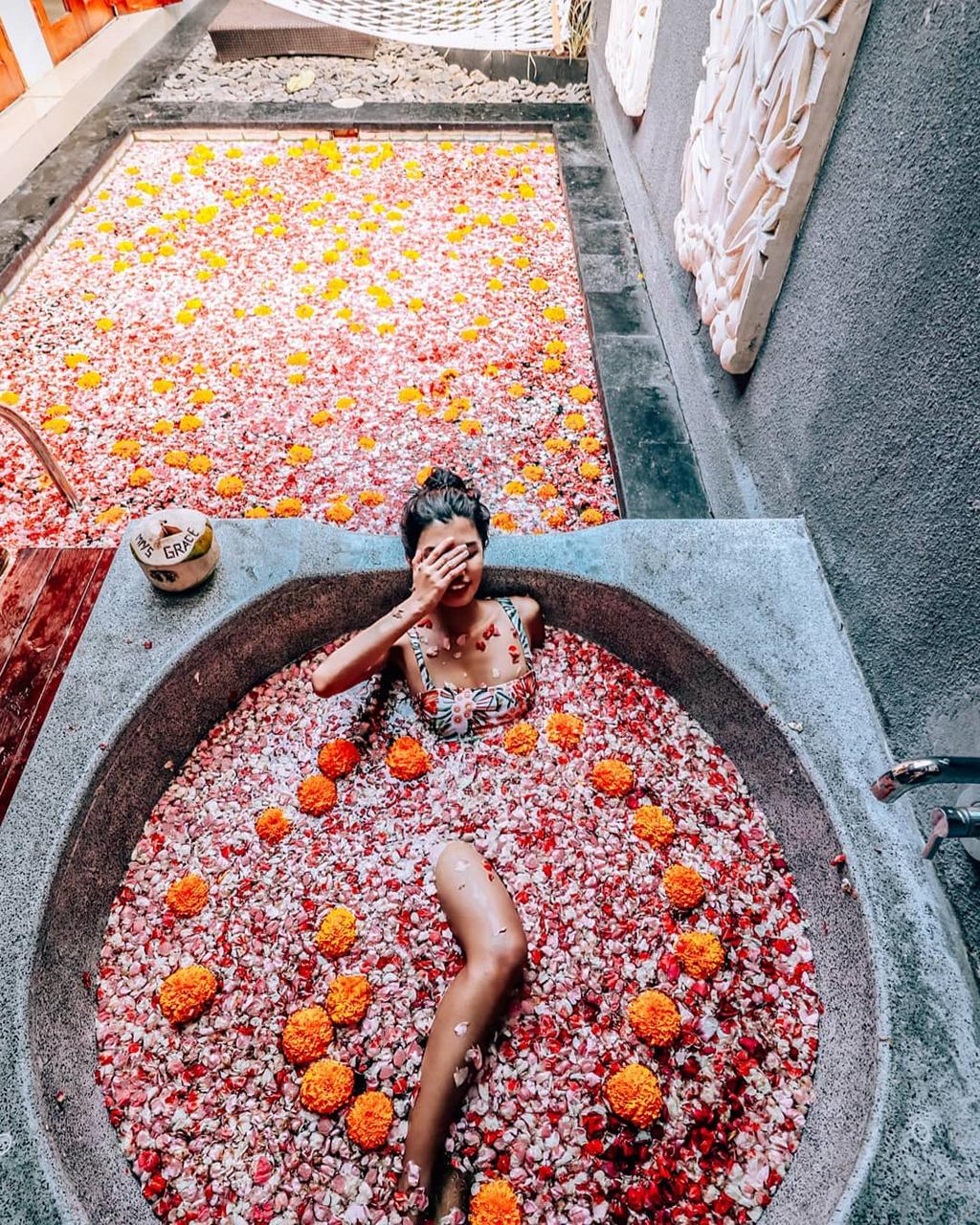 Thu gian trong bon tam day hoa o dao du lich Bali hinh anh 12