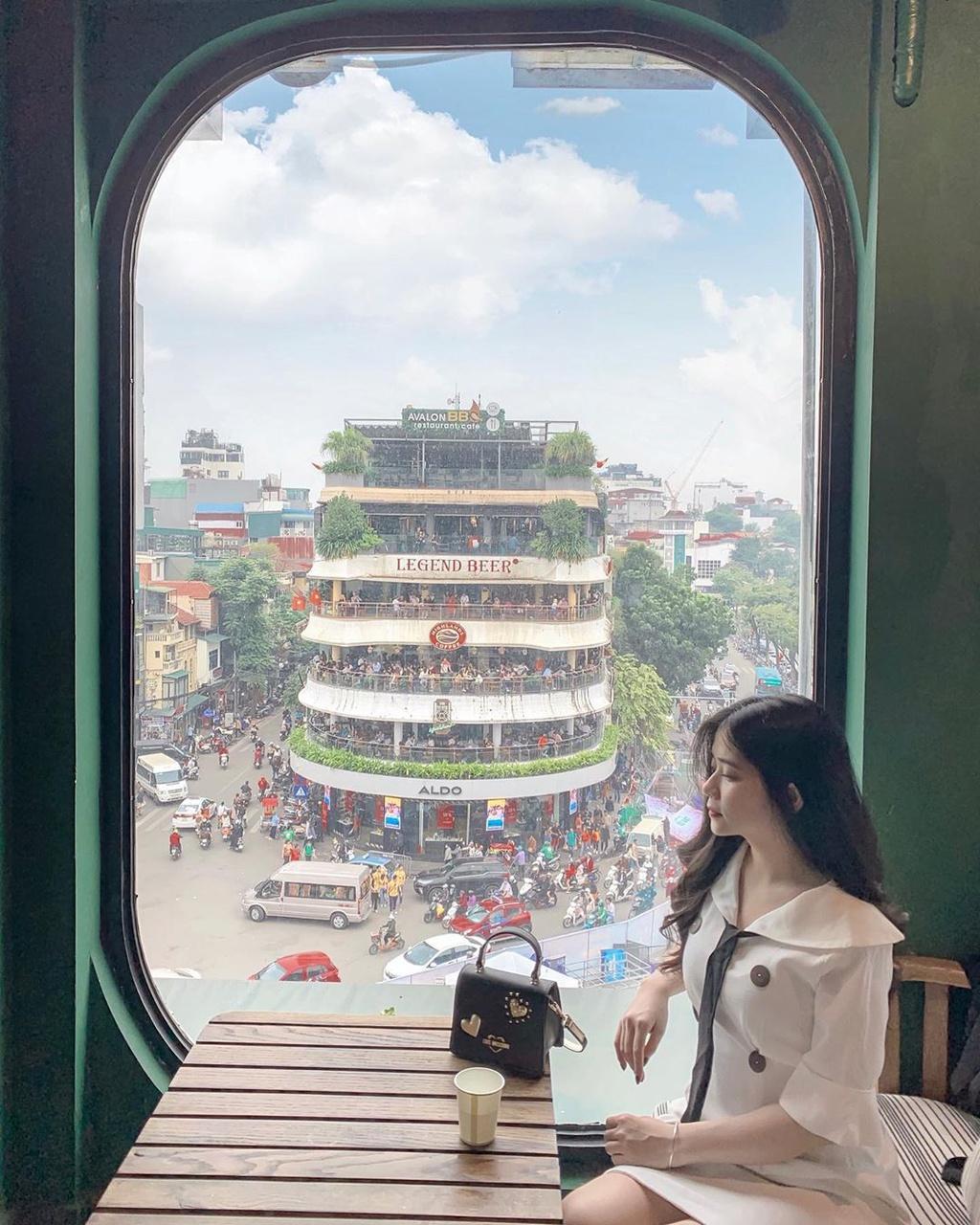 Chi hang trieu dong dat cho xem phao hoa o Ho Guom hinh anh 9 9.jpg
